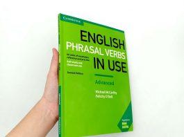 Mua sách English Phrasal Verbs In Use ở đâu chất lượng tốt giá rẻ?